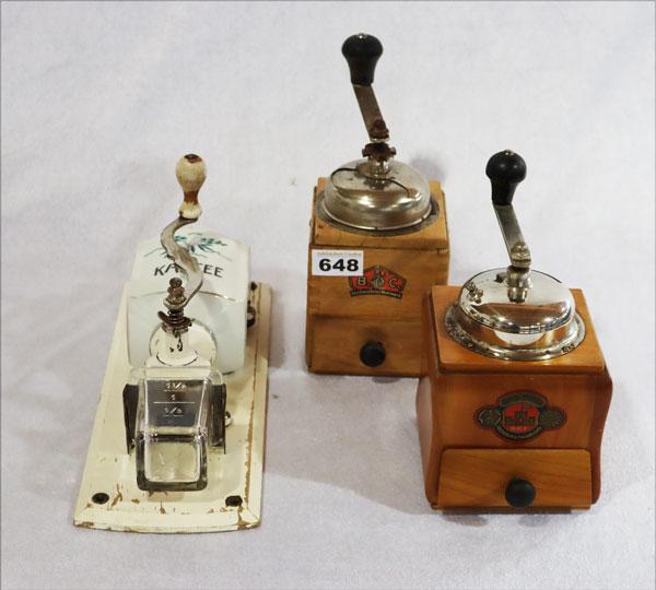 Lot 648: Tischlampe, Porzellan mit Blumendekor und Milc...